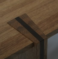 'Dovetail' coffee table leg detail