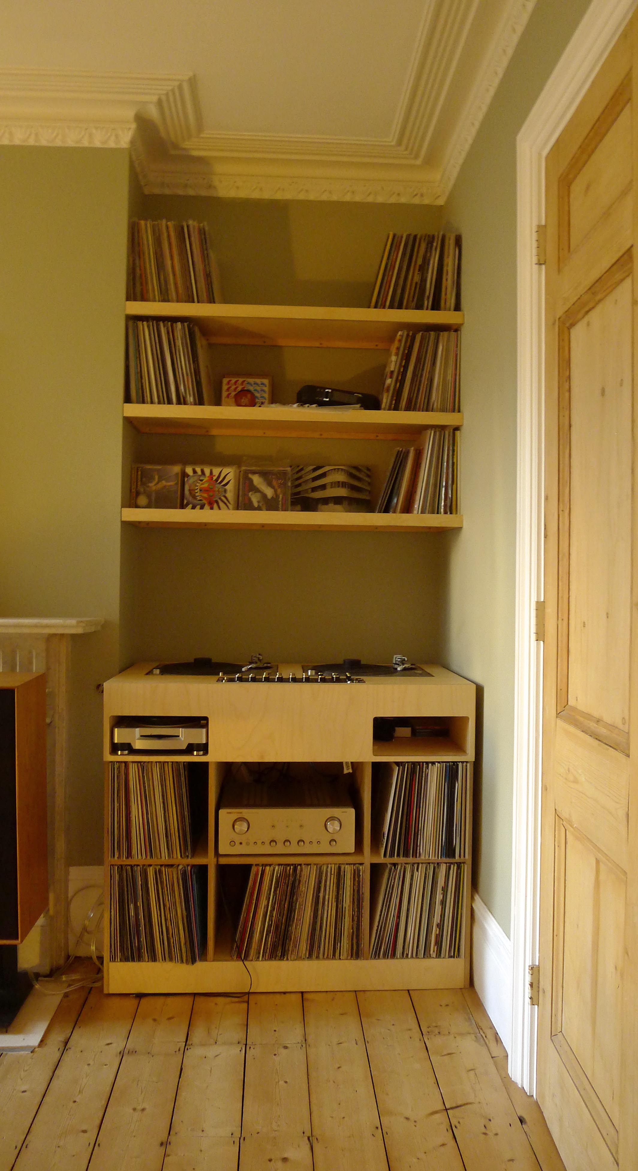 DJ console table with alcove shelving | Karl REES